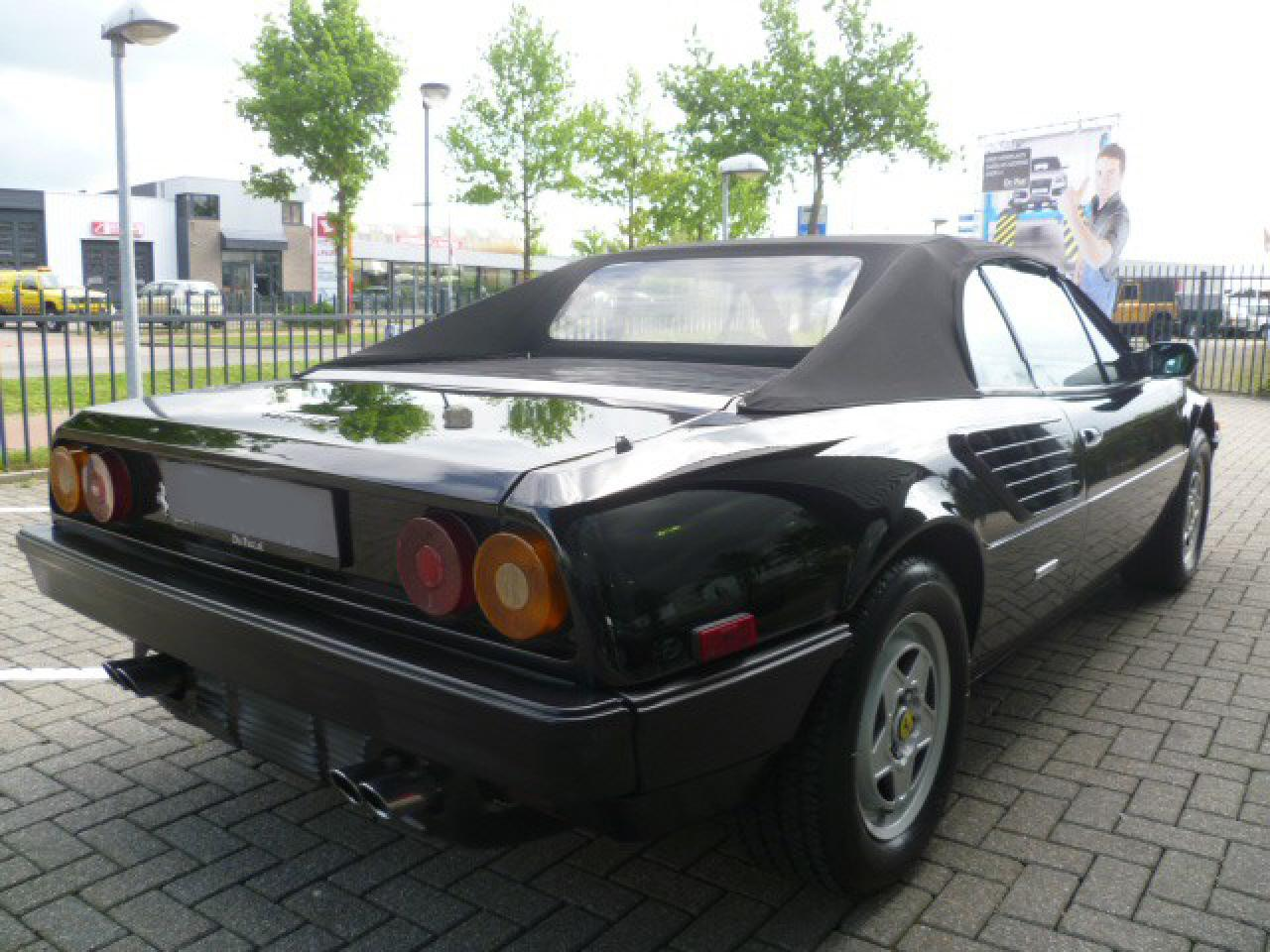 ferrari mondial cabrio 3 0 quattrovalvole 1985 verkocht fotografie delameillieure. Black Bedroom Furniture Sets. Home Design Ideas