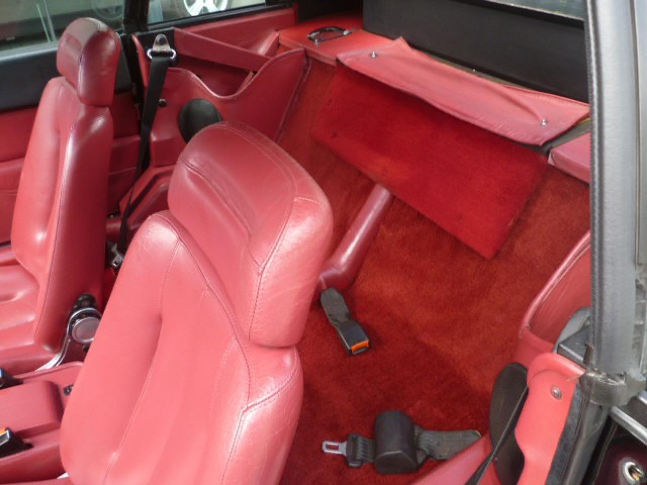ferrari mondial cabrio 3 0 quattrovalvole 1985 verkocht fotografie delame. Black Bedroom Furniture Sets. Home Design Ideas